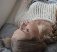 休息をとる女性